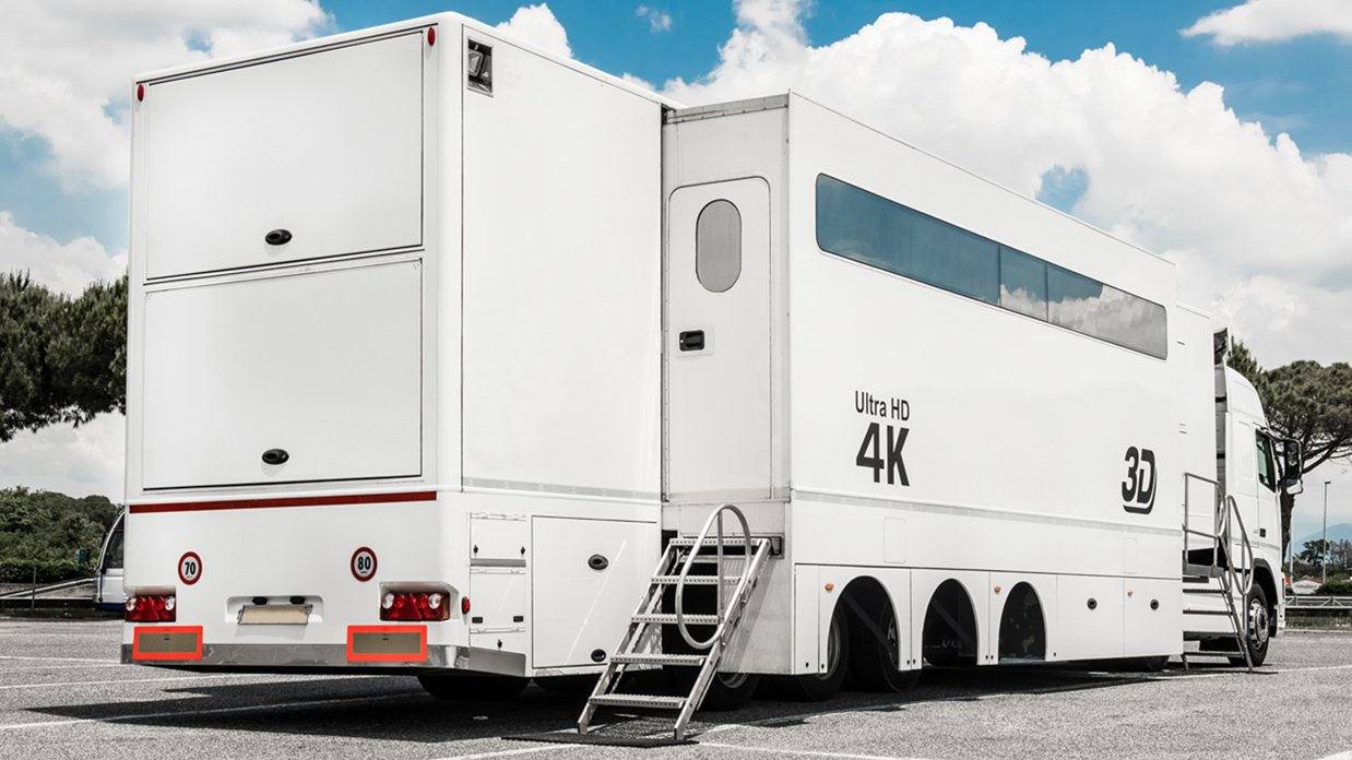 REF 734 24-CAMERA DOUBLE-EXPANDABLE 4K-READY OB TRAILER