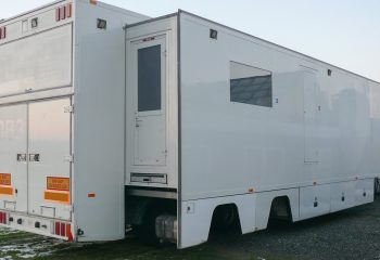 Reference 813   14-CAMERA SINGLE-EXPANDING HD OB TRUCK