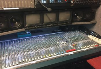 Reference 818 | 6 HD rigid ob truck | Soundcraft Audio Mixer, Genelec amplified monitor speakers