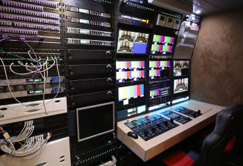 Reference 834 | 12-Camera Double Expander HD 3G OB Truck | Engineering area