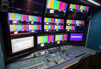 ES Broadcast Ref 830 | 12-CAMERA HD TRUCK | Production area
