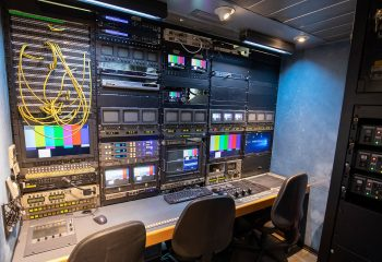 ES Broadcast Ref 830 | 12-CAMERA HD TRUCK | Engineering area