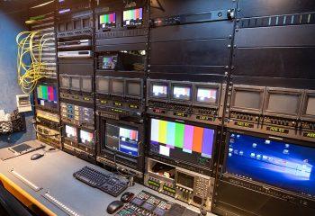ES Broadcast Ref 830 | 12-CAMERA HD TRUCK | Engineering area