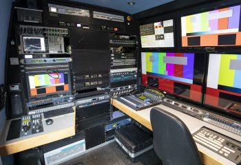 ES Broadcast Ref 832   Three-camera DSNG HD Van