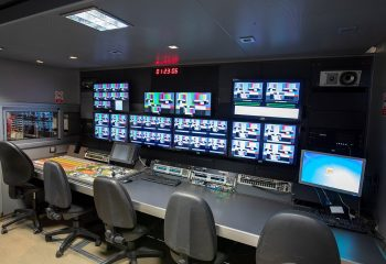 ES Broadcast Ref 835 | 12 Camera Single Expander HD OB Truck | Production area