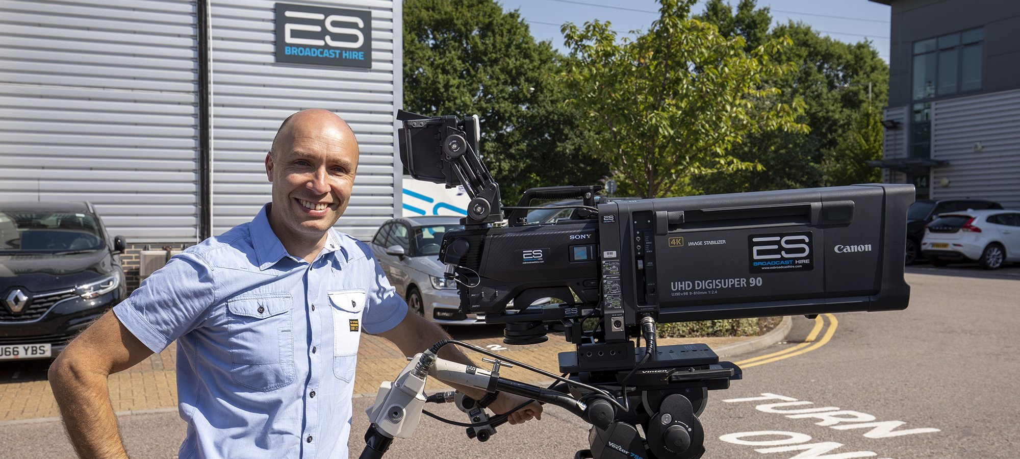 Andy Scott, ES Broadcast Hire GEneral Manager, with a Sony HDC-3500 UHD camera channel